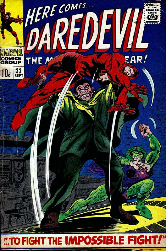 Cover of Daredevil (Vol 1) #32. One of 250,000 Vintage American Comics on sale from Krypton!