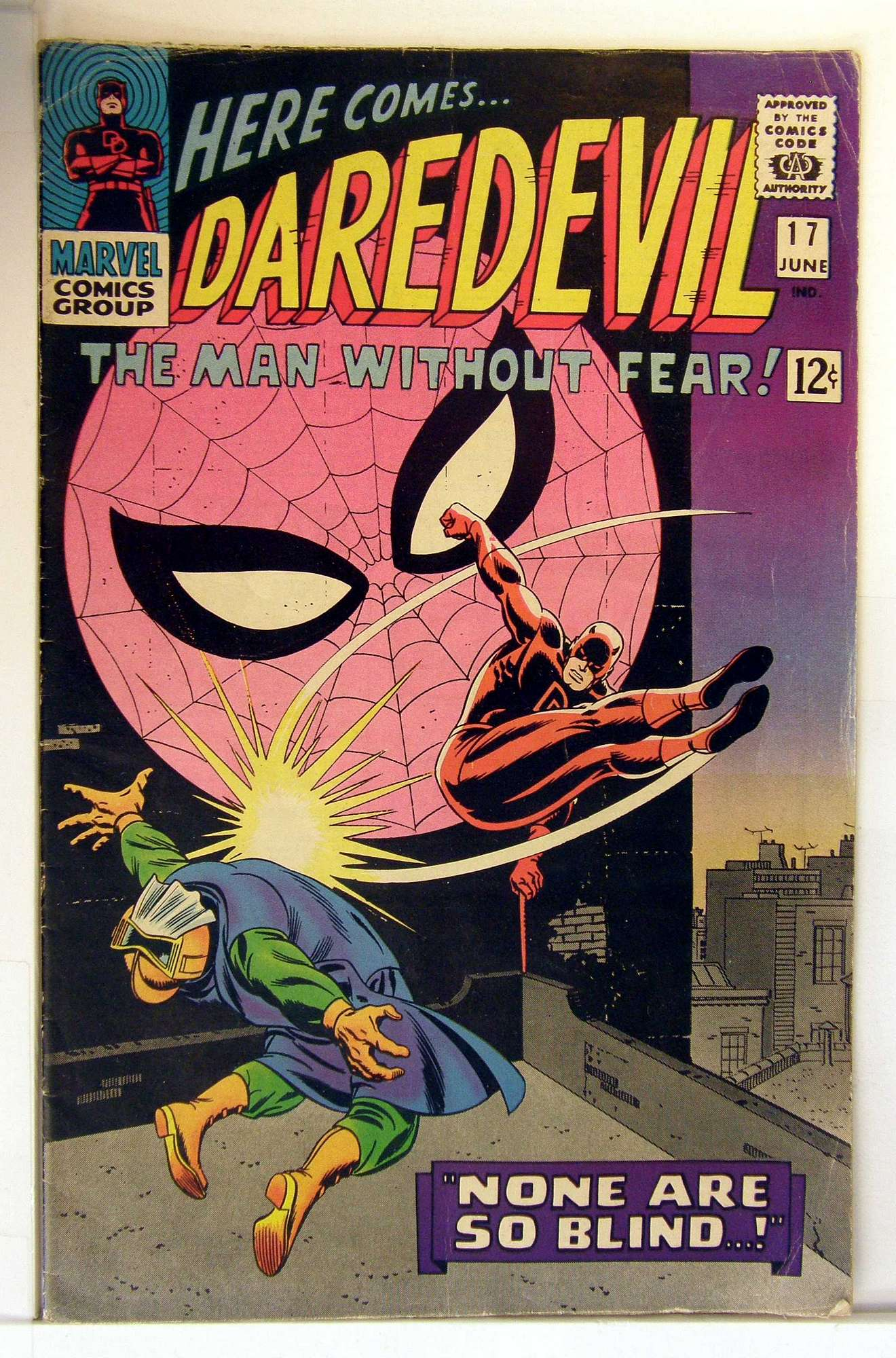 Cover of Daredevil (Vol 1) #17. One of 250,000 Vintage American Comics on sale from Krypton!
