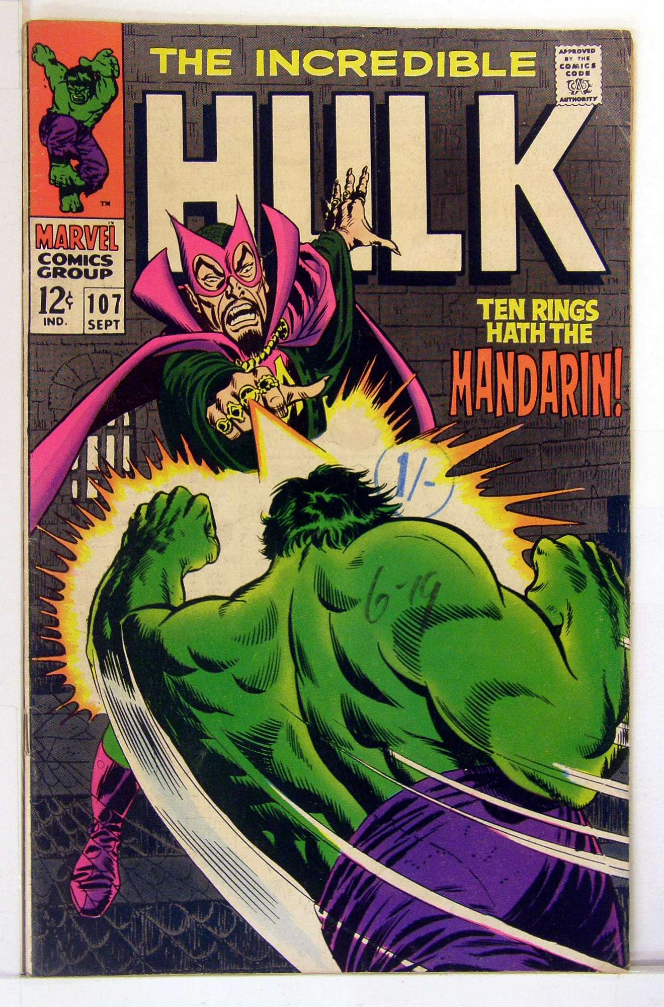 Cover of Incredible Hulk (Vol 2) #107. One of 250,000 Vintage American Comics on sale from Krypton!