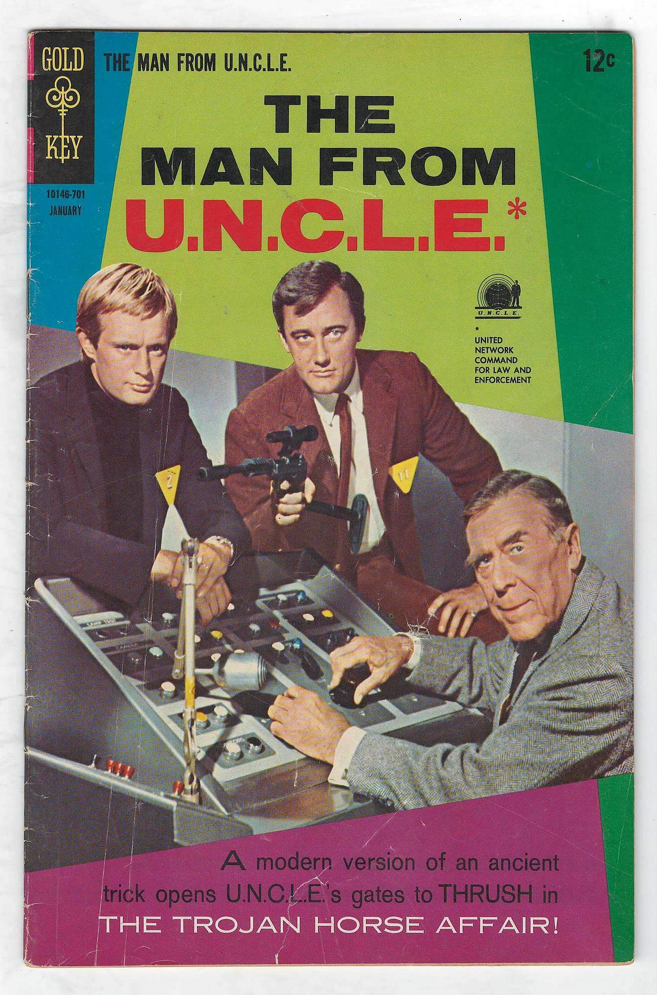 Cover of Man From U.N.C.L.E. (Vol 1) The #10. One of 250,000 Vintage American Comics on sale from Krypton!