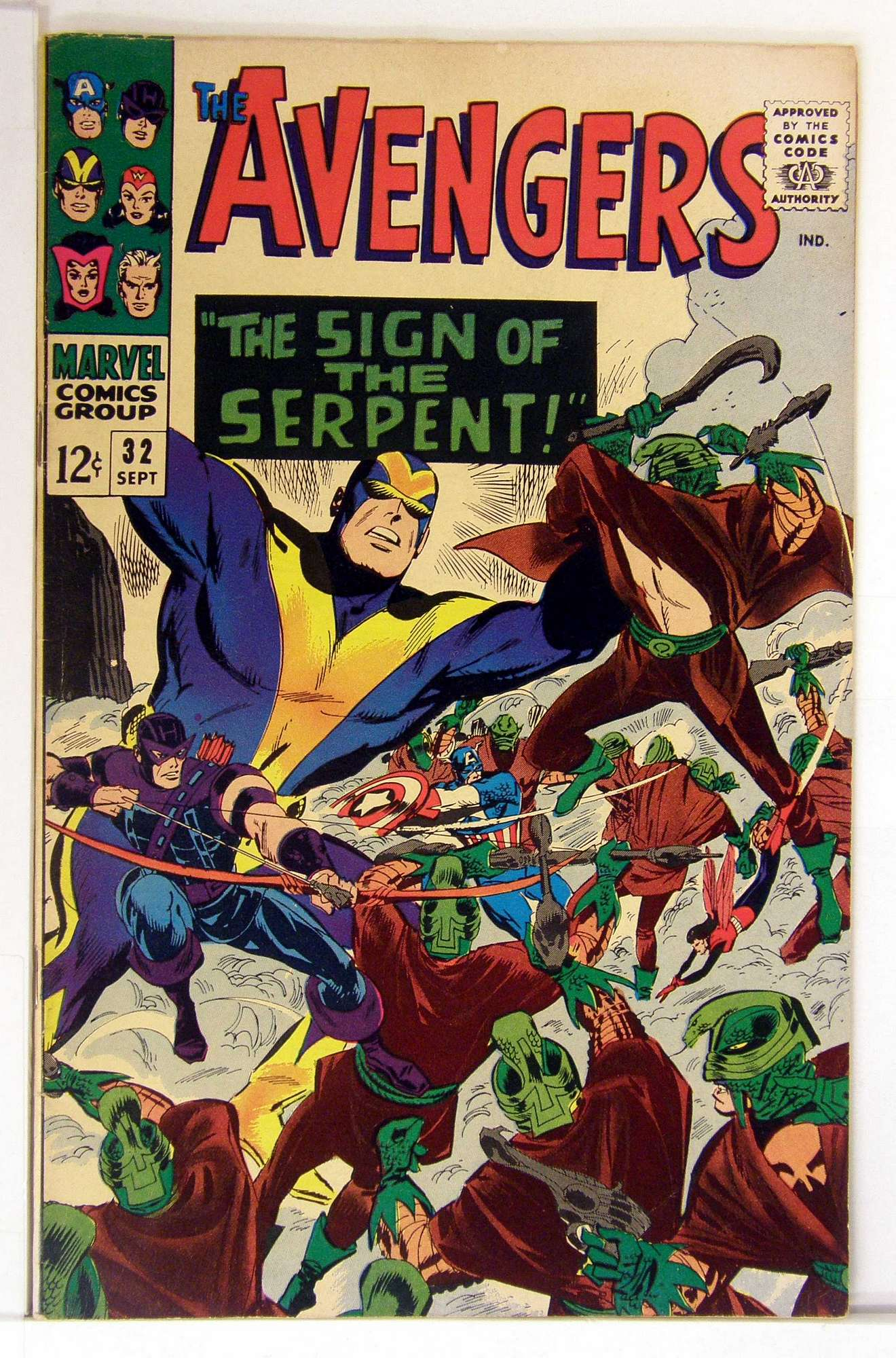 Cover of Avengers (Vol 1) #32. One of 250,000 Vintage American Comics on sale from Krypton!